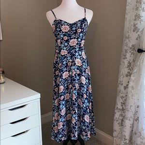 NWT Gilli dress size M